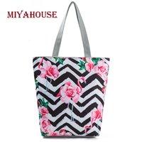 trendy tuval toptan çantalar toptan satış-Miyahouse Trendy Kadın Tuval Çanta Sevimli Flamingo Baskı Tote Çanta Çizgili Çiçek Plaj Çantaları Yüksek Kapasiteli Bayanlar Alışveriş Çantası