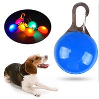 ingrosso collari di cani chiari-Pet Night Safety LED Cat Dog Collar Leads Lights Ciondolo incandescente Collana Pet Bright Bright Bright Collar In Dark