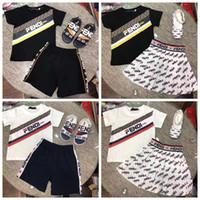 chalecos de algodón de algodón orgánico al por mayor-El diseñador de los niños del muchacho viste la camiseta + pant ropa blanca del bebé dress + shirt envío libre de la alta calidad F ropa del niño del bebé de la marca