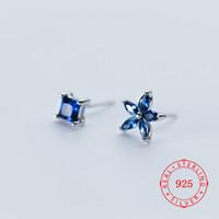 ingrosso porcellana di zircone-di buona qualità in argento sterling 925 nuovo design di forma quadrata Orecchini a lobo Zircone blu asimmetrico Fiore Orecchini da donna dalla Cina