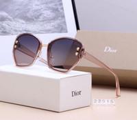 ingrosso festa della signora del gatto-2019 moda occhiali da sole moda retrò signora allargamento irregolare UV400 occhiali da sole occhio di gatto partito metallo hanno una scatola