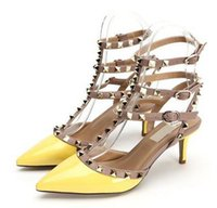 schwarze goldstilettschuhe großhandel-Sommer Schwarz matt Sexy Nieten drei Riemen Schuhe Hochzeit Pumpen Frauen High Heels Hohl Sandalen Schnalle Nieten Stiletto Sandalen