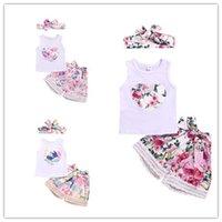 çocuklar yazlık üstler toptan satış-Tatlı Çocuklar Bebek kız giysileri Çiçek Yaz Set Plaj Tatil Tank Top + Ilmek Dantel çiçek şort + Kafa 3 adet kıyafetler 6M-4Y Toptan 2019