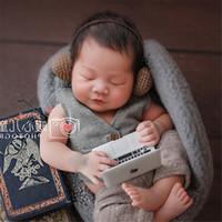chaussons bébé nouveau-né achat en gros de-Dvotinst Nouveau-Né Photographie Props Bébé Tricot Crochet Mini Casque Pantoufles Tongs Petit Studio Props Photo Accessoires