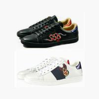 mix tamanho sapatos venda por atacado-Tamanho grande 35-48 us13 Plus Designer sapatos Mix 15 modelos Ace Top sapatos de couro marca de luxo sapatos casuais com tigre de abelha flor bordada