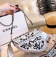 selles florales achat en gros de-Meilleure vente marque dames en cuir sac de selle Designer sac à bandoulière de haute qualité broderie européenne et américaine avec boîte Livraison gratuite