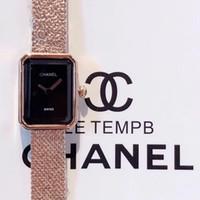 relógio luxo diamante digital venda por atacado-2020 relógios C C relógios de grife couro natal 4 cores desenhador Mulher luxuosa com relógio caixa de diamantes mulheres relógios de grife de luxo