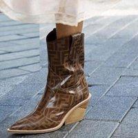 kurze lederne cowboystiefel groihandel-Art und Weise echtes Leder Chunky zwängt Aufladungen Frauen sexy Schlangenmuster spitze Zehe kurzen Cowboy-Stiefel-Absatzschuh Frauen