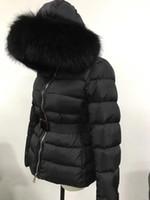 abrigos capuchas para mujer al por mayor-Venta caliente de moda 95% pato abajo chaqueta de mujer abrigo de invierno engrosamiento ropa femenina para mujer cuello de piel de zorro real capucha abajo chaqueta