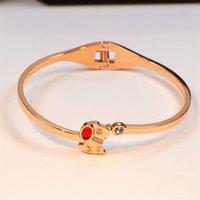 18k gold rubin armbänder großhandel-Simple Puppy Bracelets Titan Stahl Single Ruby Diamond Inlaid Bangles Stilvolle und elegante exquisite Armbänder für Frauen