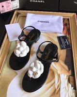 sandalias de verano de tacón bajo al por mayor-Sandalias de mujer Moda Tacones bajos Sandalias para los zapatos de verano Mujer Correa del tobillo Pisos Sandalias Zapatos de fondo suave zapatos casuales 35-41
