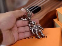 Wholesale high end Fashion Luxury astronaut Keychain Car bag Keychains Stainless Steel Key chain with box
