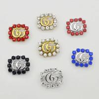 perlas de disfraces al por mayor-Nuevo diseñador de marca Broches Famoso Broche de perlas de lujo Mujeres Broche de diamantes Alfileres Moda Mujer Joyería Decoración de disfraces