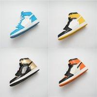 ördek basketbol ayakkabıları toptan satış-Yılın çaylak Patent 1 Basketbol Ayakkabıları Mens 1 S OG ORTA Chicago Kristal Sneakers Mandarin ördek Eğitmenler Sneakers ayakkabı