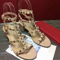 vendas de fábrica de sapatos venda por atacado-Sapatos de salto alto nova estação europeia de alta qualidade sapatos de marca 35-41 sapatos de salto de espessura vendas direto da fábrica frete grátis