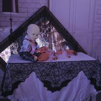 decoraciones del partido amarillo blanco negro al por mayor-Decoración de borla Halloween Tela de mesa de tela de araña de encaje negro Chimenea Manto Bufanda Cubierta Fiesta Festival Productos