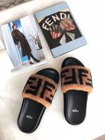 gri sandaletler toptan satış-Yeni 2019 Lüks Ayakkabı Kadınlar ve erkekler Terlik Kapalı Sandalet Kızlar Moda Scuffs Kutusu ile Pembe Siyah Beyaz Gri Kürk Slaytlar kaliteli