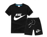 mädchen designer-anzug großhandel-Neue Designer Marke Kinder Jungen Mädchen Sportswear Kinder Kurzarm Anzug Kinder Set Sommer Kleidung 2-7 T