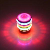 nachahmungselektronik groihandel-Neues Produkt glüht Laser Ring Holzimitat buntes Musikblitzlicht Kreisel elektronische Kinder Spielzeug Geschenk