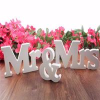 evlilik dekoru toptan satış-Düğün Süslemeleri Evlilik Dekor Mr Mrs Doğum Günü Partisi Süslemeleri Beyaz Harfler Düğün Işareti Sıcak Düğün Dekor