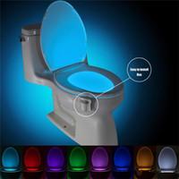 monopatín usb al por mayor-Nuevo inodoro de 8 colores sensor de luz higiénico cuerpo humano clara elegante PIR sensor de movimiento LED Luminaria iluminación de la lámpara WC