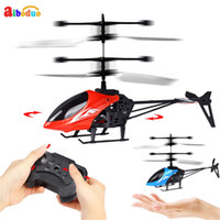 лучший вертолет оптовых-Best Price Mini Rc Infrared Induction Remote Control Rc Toy 2ch Gyro Helicopter Drone Kids Toy Gifts