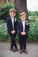 camisa de esmoquin azul marino al por mayor-Boy 4 piezas Traje azul marino Wedding Boy Tuxedos Dos botones Ropa formal Traje de niños para fiesta de graduación Ring Boy Suit (Blazer + Pants + Vest + Shirt) Nuevo