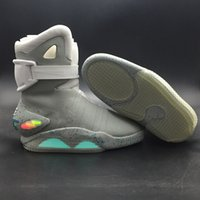 mag atrás al por mayor-Air Mag Sneakers Marty McFly LED Shoes Volver al futuro Ilumina los zapatos Hombres Gris Rojo Negro Resplandor en la oscuridad con la caja de zapatos La mejor calidad
