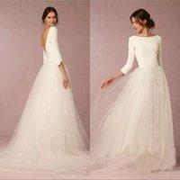 bescheidenes satin einfaches hochzeitskleid großhandel-2019 Modest Vintage Wedding Dresses Eine Linie Top rückenfreie Brautkleider mit Ärmeln Einfaches Design Tüll Rock Sweep Zug