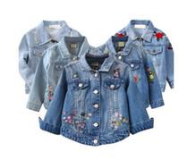 moda crianças denim venda por atacado-Menina jaqueta jeans casaco flor bordado nova moda infantil primavera outono casaco crianças jaqueta bebê casaco menina jaqueta de bebê