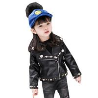 pu jacken für kinder großhandel-heiße Kinder PU-Jacke, 2-7 Jahre altes Mädchen Mode Revers pearl Leder Motorradjacke Herbst Winter Nietdekoration nett
