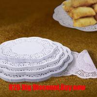 weihnachtskuchen papier großhandel-500pcs / lot runde Spitze-Papier ölabsorbierenden Papier Kuchen-Biskuit-Dekoration Bottom Hochzeit Weihnachten Supplies X