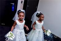 küçük kız siyah prenses elbiseleri toptan satış-2019 Dantel Aplike Scopp Boyun Çiçek Kız Elbise Küçük Siyah Kız Doğum Günü Prenses Parti Kıyafeti Uzun Kız Örgün Gelinlik