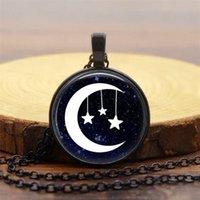 ornement de lune achat en gros de-Été chaud beaux ornements Moon Star Time collier de pierres précieuses rétro pendentif en verre dôme en alliage collier 3 couleurs en option