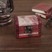 ingrosso contenitori di stoccaggio in legno eco friendly-Custodia per gioielli vintage scatola di immagazzinaggio di gioielli Mini legno lettera modello contenitore di metallo fatto a mano in legno piccole scatole