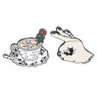 kristall roségold brosche großhandel-FXXK OK! Kreis Spiel Meme Hand Finger Hat Pin Horror Mittelfinger Rose Kaffeetasse Emoticon Anstecknadeln Abzeichen Broschen
