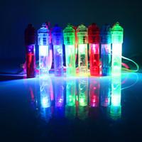 fabricante de ruido para juguetes al por mayor-LED Light Up Whistle Colorful Luminous Noise Maker Niños Niños Juguetes Fiesta de cumpleaños Novedad Props Christmas Party Supplies RRA2040