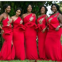 vestidos de dama de honra ouro vermelho venda por atacado-Vermelho Um Ombro Sereia Africano Da Dama de Honra Vestidos Ruffles Cintura Apliques Frisado Ouro Da Dama de Honra Vestido Plus Size Convidado Do Casamento Gow