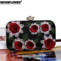 moda çanta ünlü marka toptan satış-Toptan marka kadın çanta yeni çiçek boncuk nakış yemeği çantası yüksek kaliteli nakış moda ziyafet çanta zarif ünlü elmas ch