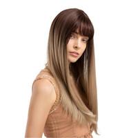 uzun doğal sarışın kıvırcık peruk toptan satış-Kadınlar Altın Kahverengi Patlama Ile Ombre Sarışın Peruk Doğal Dalga Uzun Kıvırcık Doğal Görünümlü Yumuşak Dokunmatik Isıya Dayanıklı Sentetik Peruk
