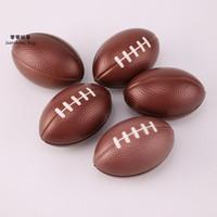 bolas de goma para aliviar el estrés al por mayor-Mini Rugby Fútbol Americano Descompresión Juguetes Kindergarten Bebé Niños Juguetes Squeeze Toy Balls Sponge Balls Regalos para niños