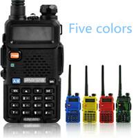 transceptor duplo venda por atacado-Baofeng UV5R UV5R Walkie Talkie Dual Band 136-174MHz 400-520Mhz Two Way Radio Transceiver com 1800mAH bateria do fone de ouvido livre