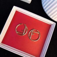boucles d'oreilles rondes achat en gros de-Top matériel en laiton creux rond et F forme Stud pour les femmes cadeau bijoux 18k plaqué or livraison gratuite PS5742