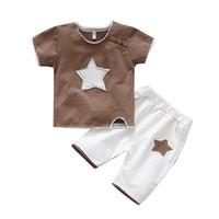 meninos novos modelos vestido venda por atacado-Terno dos meninos, mangas curtas, dois pedaços de vestido de verão para meninos estrangeiros, novo modelo de 1-3 anos de idade do bebê, belo algodão puro