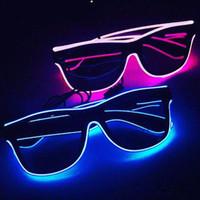 gafas de novedad intermitentes al por mayor-Nuevas gafas intermitentes EL Wire Gafas LED Suministros de fiesta brillantes Iluminación Regalo de la novedad Luz brillante Festival Fiesta Gafas de sol que brillan intensamente