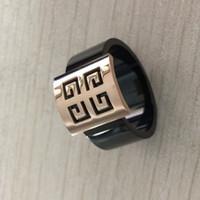 joyas de moda anillos de compromiso negro al por mayor-Nuevo diseño de marca de moda de lujo de oro rosa, ancho, negro, anillos de amor, joyas para mujeres, hombres, compromiso de boda, fábrica de regalos al por mayor