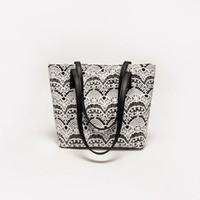 ingrosso sacchetto di crossbody del merletto nero-Borse di lusso Borse a tracolla moda donna per donna 2019 Borsa a tracolla in pelle PU con tracolla in pizzo per ragazza Borsa da donna nera Bolsas