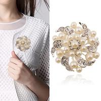 gelinlik çiçek broşları toptan satış-Broşlar çiçek inci Korsaj Rozeti Pimleri için Takım Elbise Düğün J Kadınlar için Moda Sevimli Broş Pin Broşlar Iyi Hediye Broş