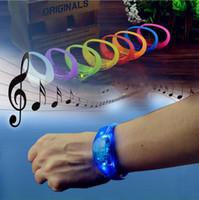 ingrosso braccialetti principali-Braccialetto in silicone LED braccialetto di controllo del suono LED cinghia da polso leggera Colore della caramella brillare Bangle Wristband Party Bar Cheer giocattolo CLS590