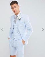 smokings azuis dos homens para casamentos venda por atacado-Ternos de smoking de casamento dos homens jovens e bonitos (Blazer + calça curta + colete)